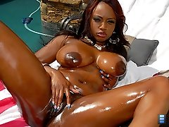Jada fire has the hottest big black ass ive ever seen and shes rockin it here in these hot mpgs